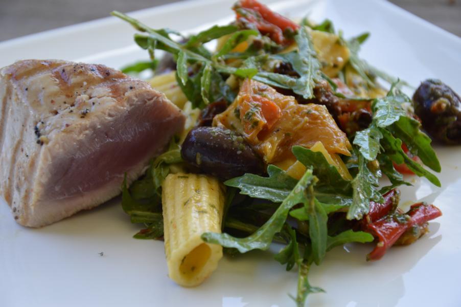 Thunfisch-Pasta mit Salsa Verde