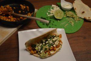 Corn_Tacos_gefüllt_mit_Füllung